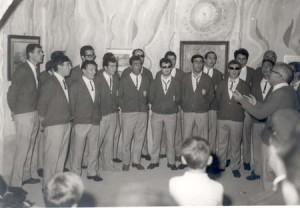 1968 il coro con il M°. Febo Donini